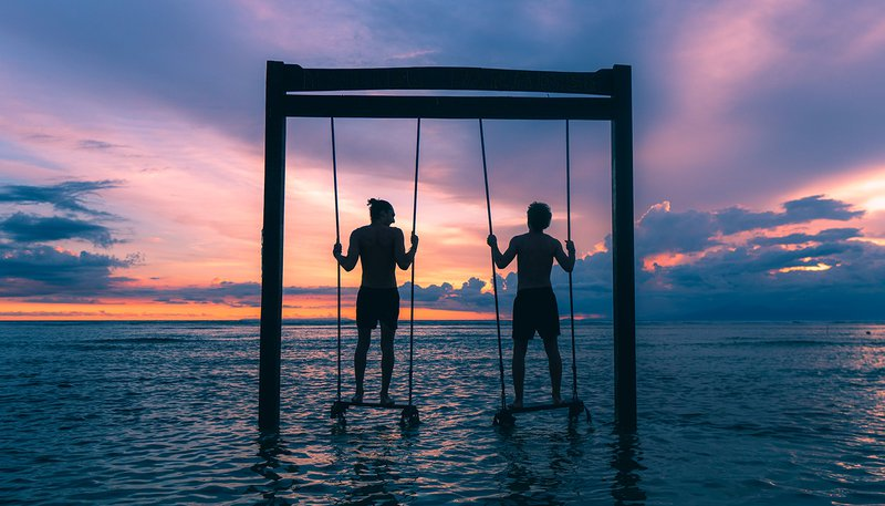Gili Swings