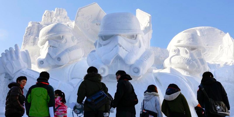 Star-Wars-Snow-Sculpture.jpg