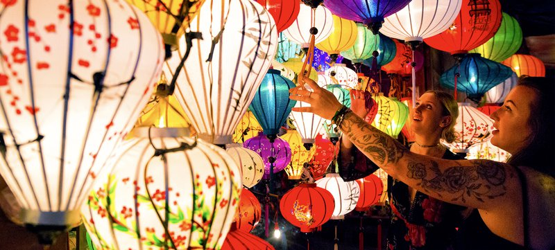 Vietnam Mobile Header Lanterns