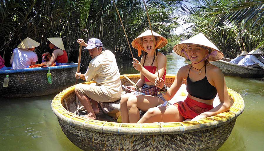 Intro Travel Vietnam And Cambodia Intro Group Tours Girls Basket Boat Fishing Hoi An